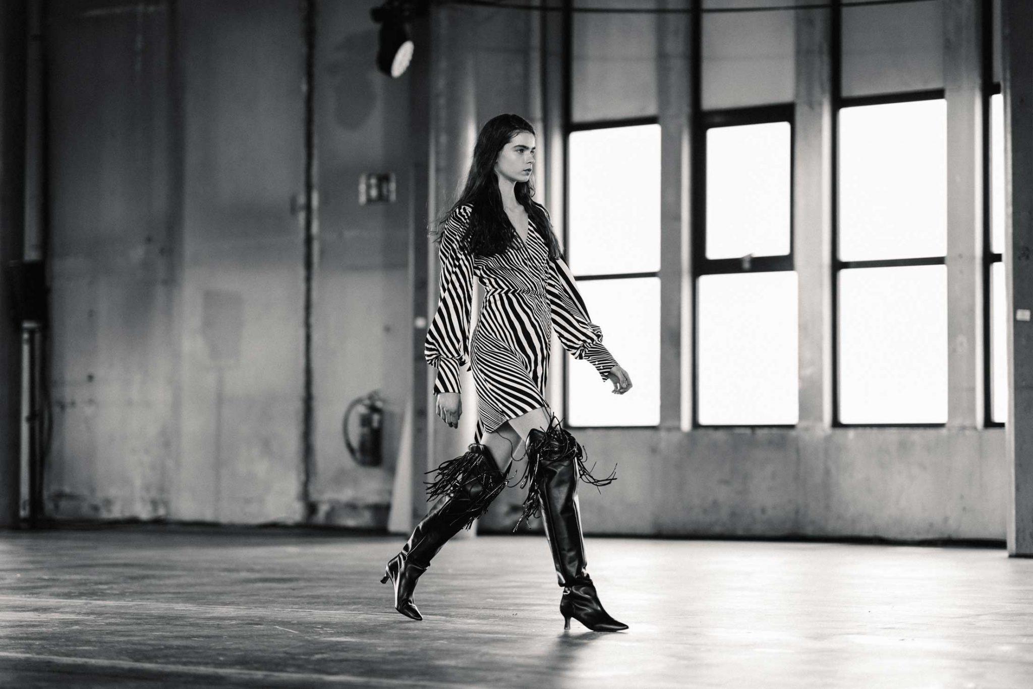 Ilsoo_van_Dijk_Ilsoovandijk_AFW_Toral_Backstage_Amsterdam_Fashion_week_2020_-scaled_10