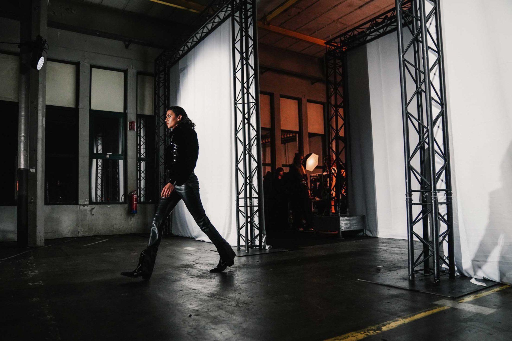 Ilsoo_van_Dijk_Ilsoovandijk_AFW_Toral_Backstage_Amsterdam_Fashion_week_2020_-scaled_17f