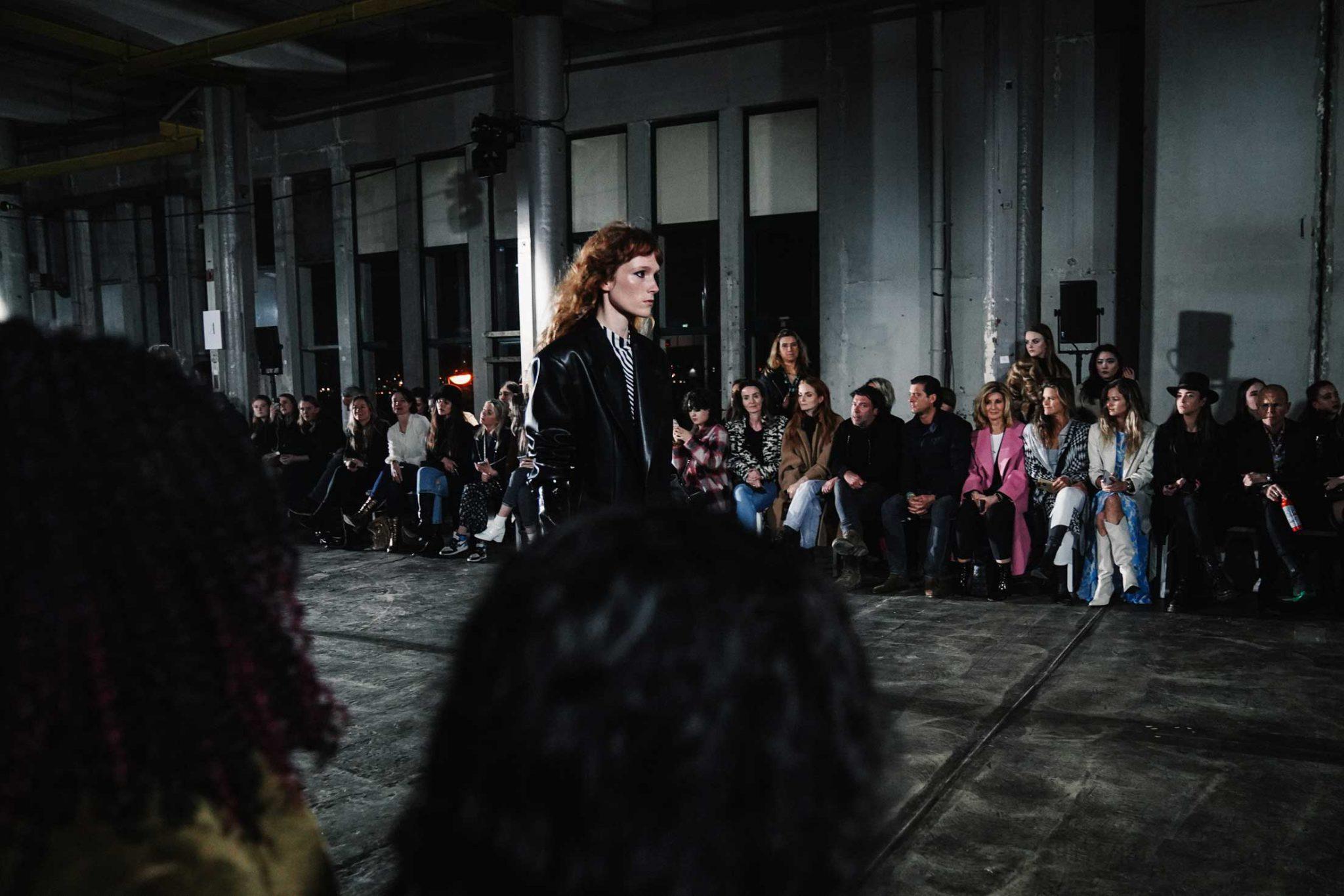 Ilsoo_van_Dijk_Ilsoovandijk_AFW_Toral_Backstage_Amsterdam_Fashion_week_2020_-scaled_17g