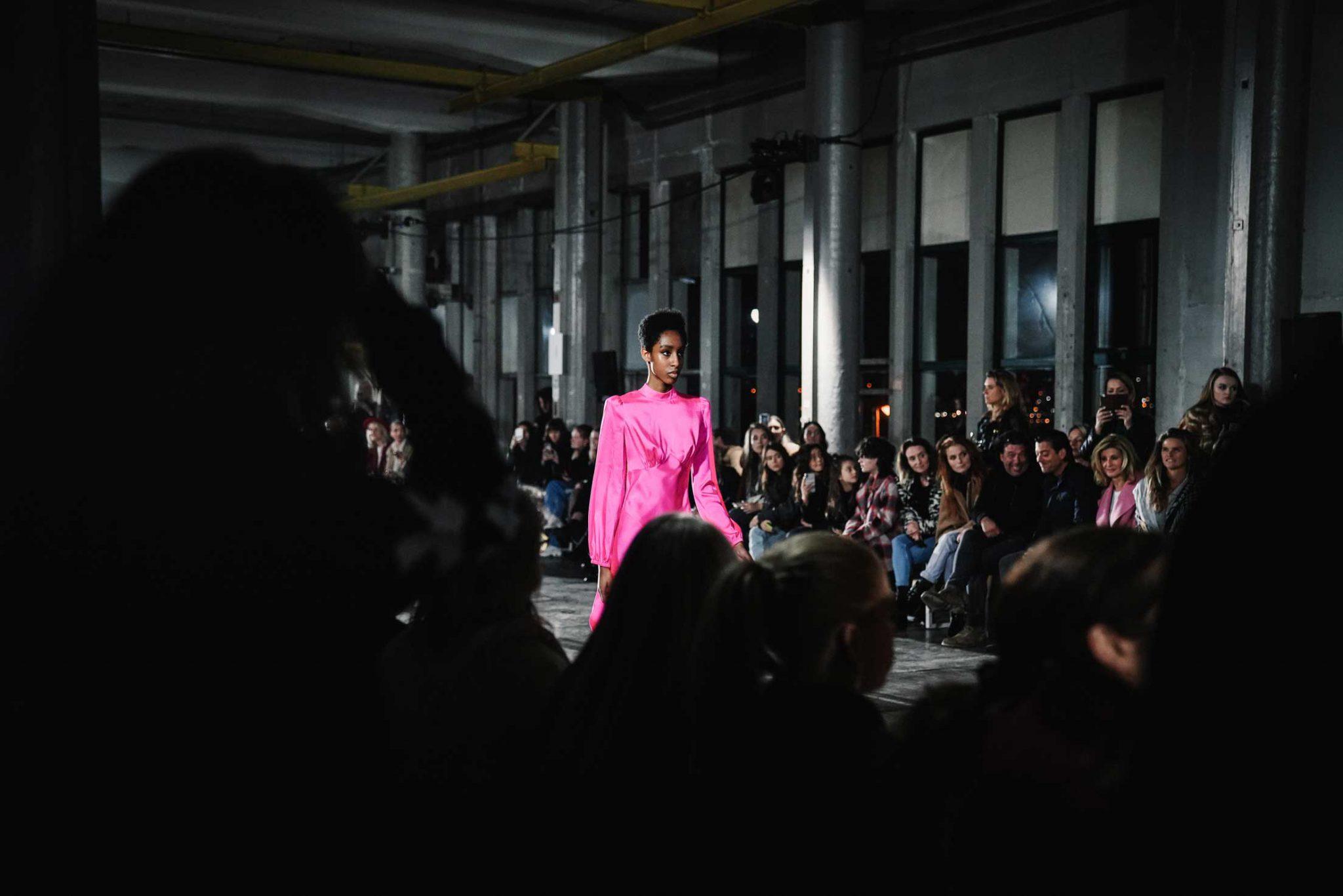 Ilsoo_van_Dijk_Ilsoovandijk_AFW_Toral_Backstage_Amsterdam_Fashion_week_2020_-scaled_19