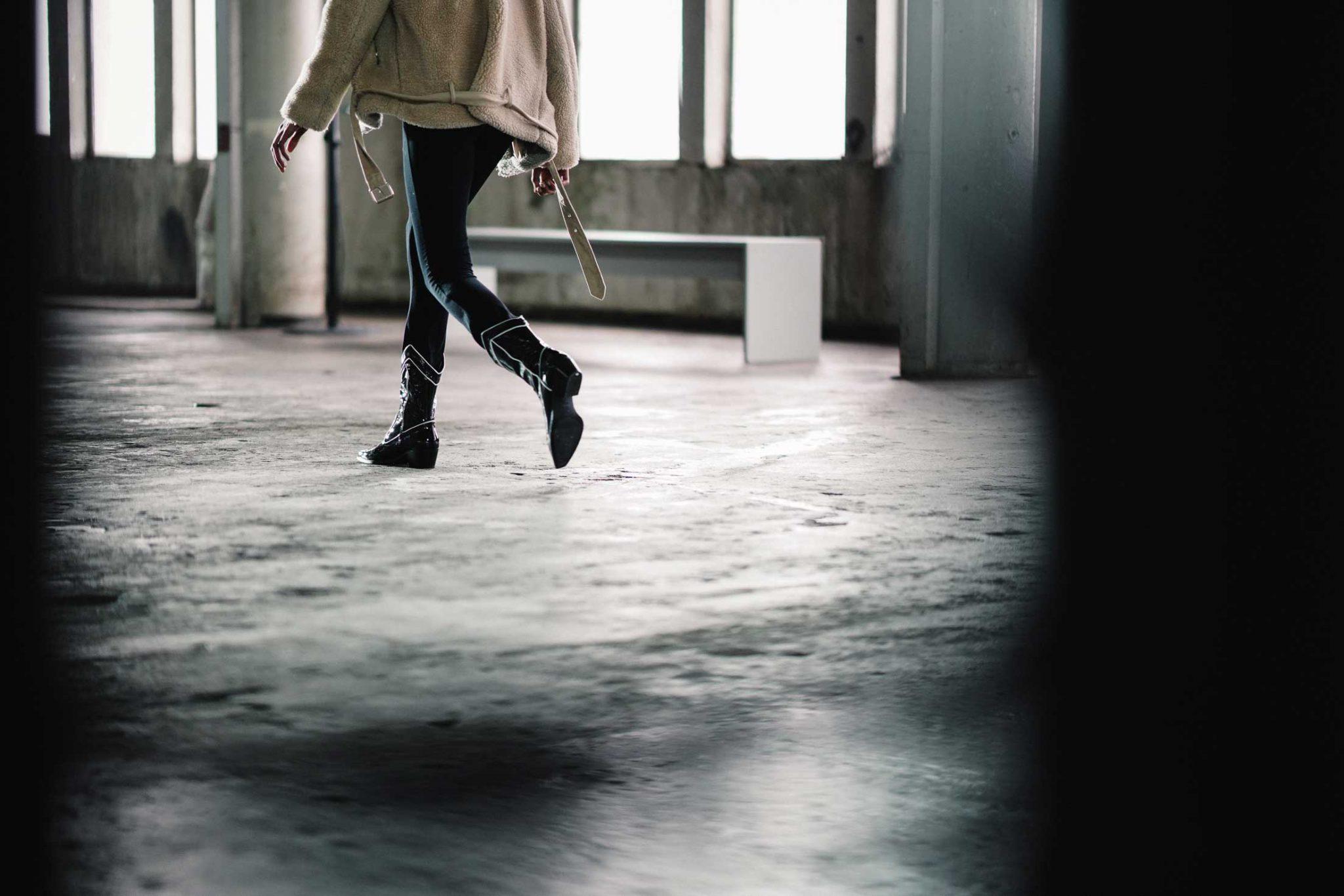 Ilsoo_van_Dijk_Ilsoovandijk_AFW_Toral_Backstage_Amsterdam_Fashion_week_2020_-scaled_5