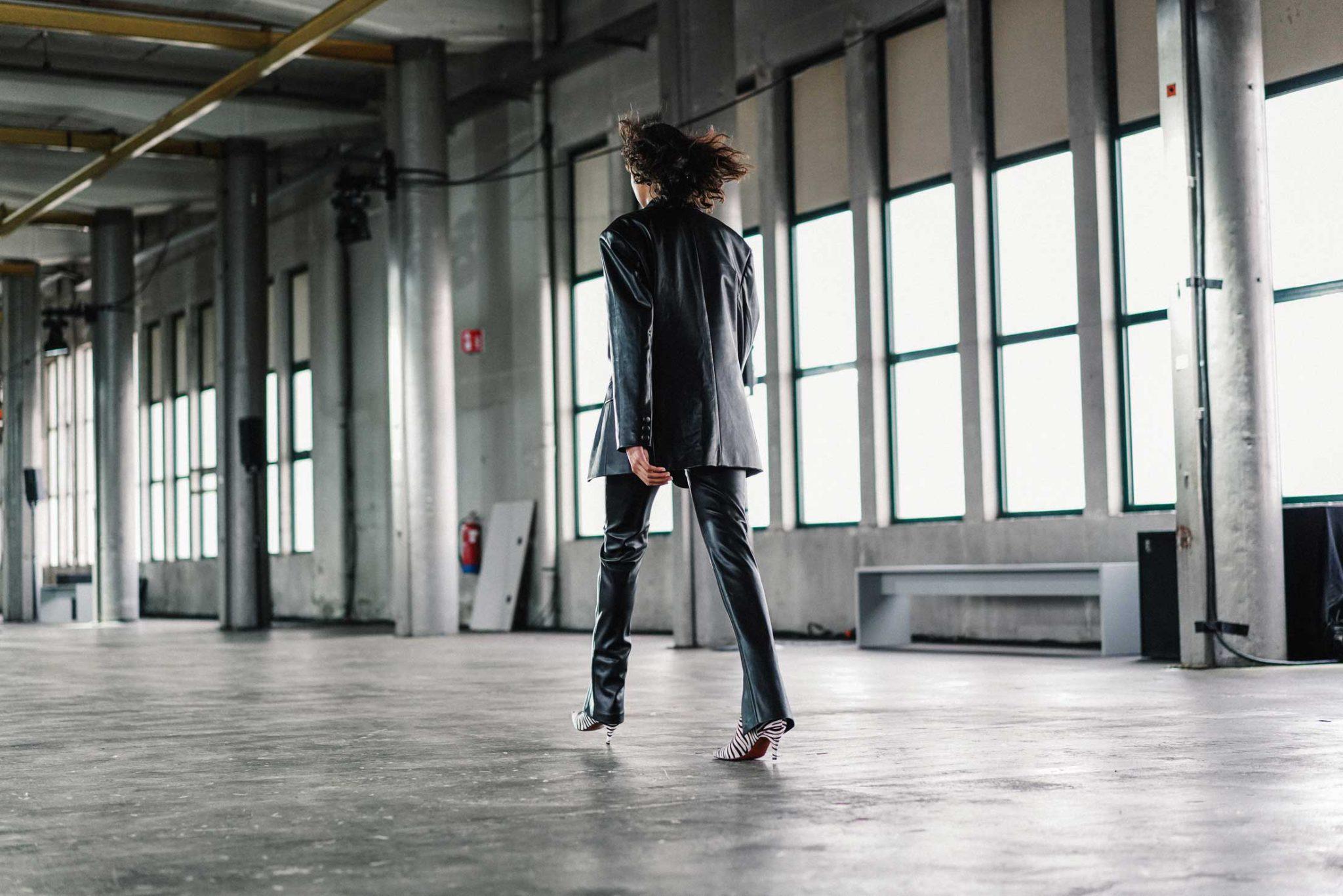 Ilsoo_van_Dijk_Ilsoovandijk_AFW_Toral_Backstage_Amsterdam_Fashion_week_2020_-scaled_9